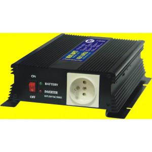 repasovaný měnič+dobíječka 12V DC na 230V AC 600W trvale