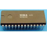 MH8228 - CPU, budič sběrnice, DIL24
