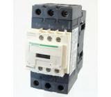 Stykač: 3-pólový NO x3 Pomocné kontakty: NO + NC 230VAC 40A