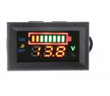 LED voltmetr s ukazatelem stavu baterie barevný