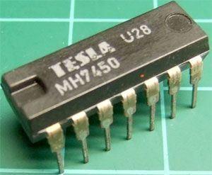 7450 dvojitý logický člen AND-OR-INVERT, DIL14 /MH7450,MH5450S/